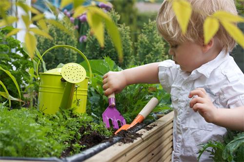 6 razones para practicar jardinería con los niños