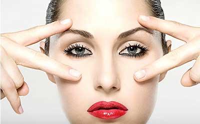 8 remedios útiles para rejuvenecer el contorno de los ojos