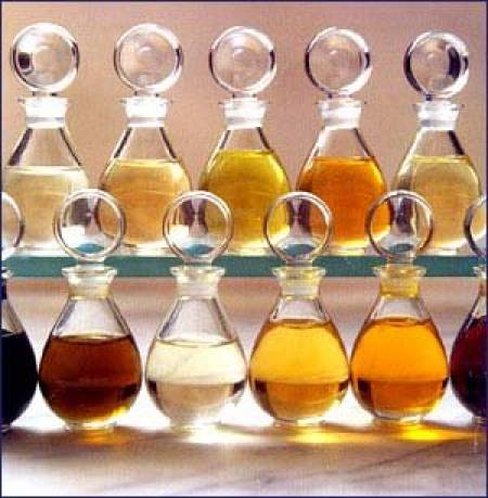 aceites-esenciales-muchos-usos-tambien-en-el-hogar_39rly