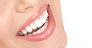 como-blanquear-los-dientes-con-recetas-caseras_63qwk