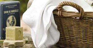 como-eliminar-las-manchas-de-desodorante-de-la-ropa_lnhd1