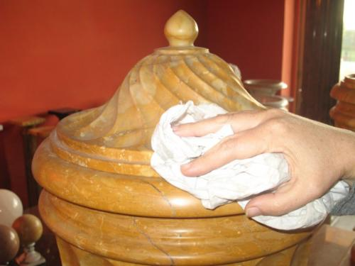 C mo limpiar y pulir el m rmol de manera natural for Como se limpia el marmol