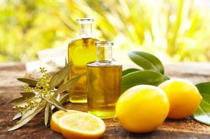 Como preparar en casa el aceite esencial de limón