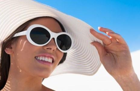 Cómo proteger del sol el contorno de los ojos