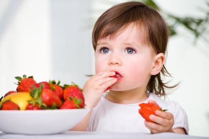 Los niños comen más frutas y verduras si saben para que sirven