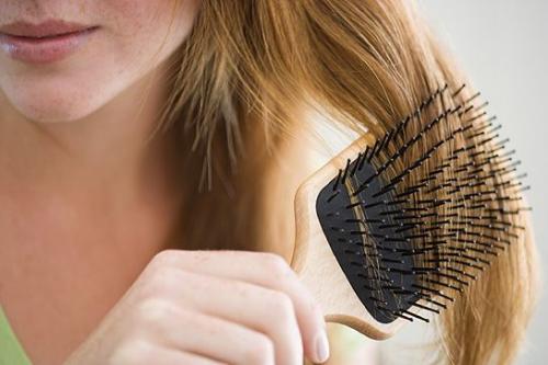 Remedios naturales contra la caída del cabello en otoño