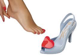 remedios-naturales-para-unos-pies-con-rozaduras-e-inflamados_t874k